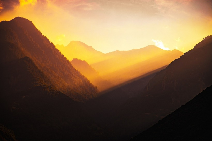 mountains-1055168_1280