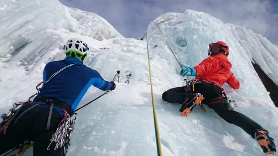 ice-climbing-1247606_1280
